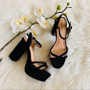 Jacobies Black Suede Platform Shoes size 6 1/2
